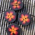 bouton fleur orange