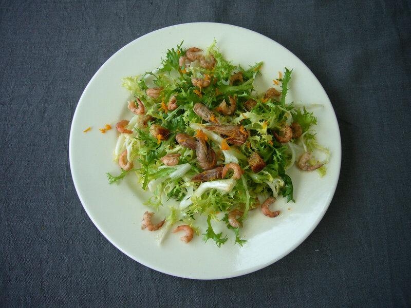 Salade frisée aux crevettes grises et zestes d'orange