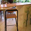 un bar réalisé en planches de palette et peint par mes soins