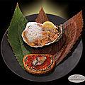 Tartare de saumon, huîtres, anchois à l'huile et émulsion de jus d'huîtres. Toast au beurre d'<b>ail</b> noir et huîtres pochées.