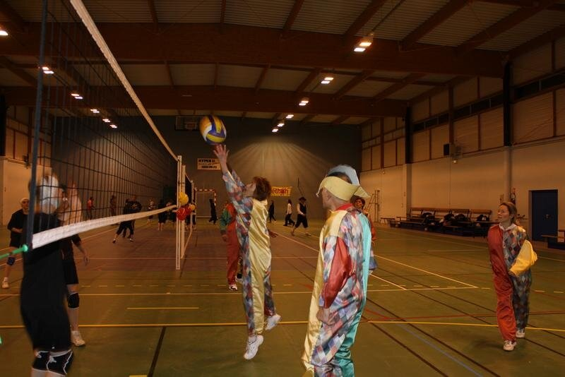 2010-12-16_volley_deguise_44