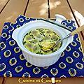 <b>Flan</b> aux ravioles avec petits pois et parmesan, cuisson à la vapeur