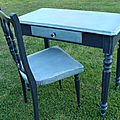 table et <b>chaise</b> <b>vintage</b>