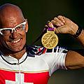 En fauteuil roulant, Heinz Frei a remporté son 20e marathon de Berlin