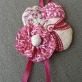 broche rose tunique
