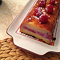 Cake invisible aux pommes et <b>framboises</b>