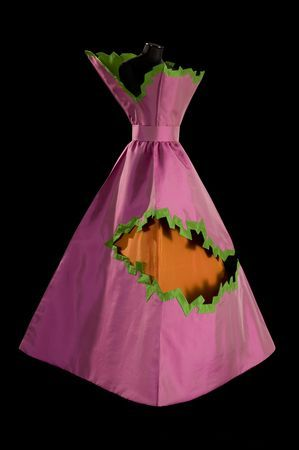 'Crepe,' 2007. By Roberto Capucci (Italian, b. 1930)Roberto Capucci Foundation Museum Villa Bardini Florence. Sculpture in the Box Line style. Fuchsia taffeta, green borders, orange taffeta inside. Courtesy of the Philadelphia Museum of Art