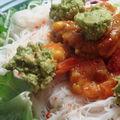 Inspiration vietnamienne ... ou la salade de crevettes mangue/guacamole façon Bun Bo