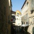 Jerusalem, vue sur le Dome du Rocher, depuis une rue