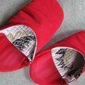 - 165 - chaussons aux pieds
