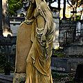 <b>Statues</b>