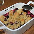 Crumble fruits rouges-noisettes