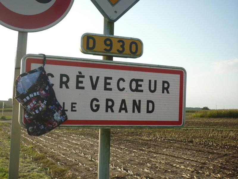 La_Ronde_des_Cadeaux_panneau_Miss_Isa