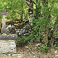 Croix de chemin sur le Causses du Quercy Blanc ...