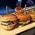 Chick-burger mâche et bleu d'auvergne