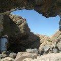 Sur le Salar, ile au cactus, arche de pierre