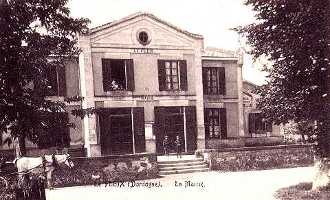 Ancienne Mairie/Ecoles de face
