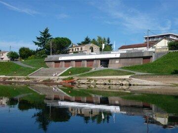 Les installations du Sport Nautique de Bergerac ( aviron)
