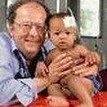 Beat Richner...quand la médecine est ce qu'elle devrait être.Soutenez son action: beatocello.com