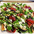 Salade de saison : figues, gorgonzola, noix de jambon & sa sauce miel moutarde à l'ancienne