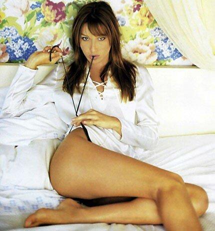 Carla Bruni Sexy 4