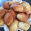 Mini madeleines au clémentine curd