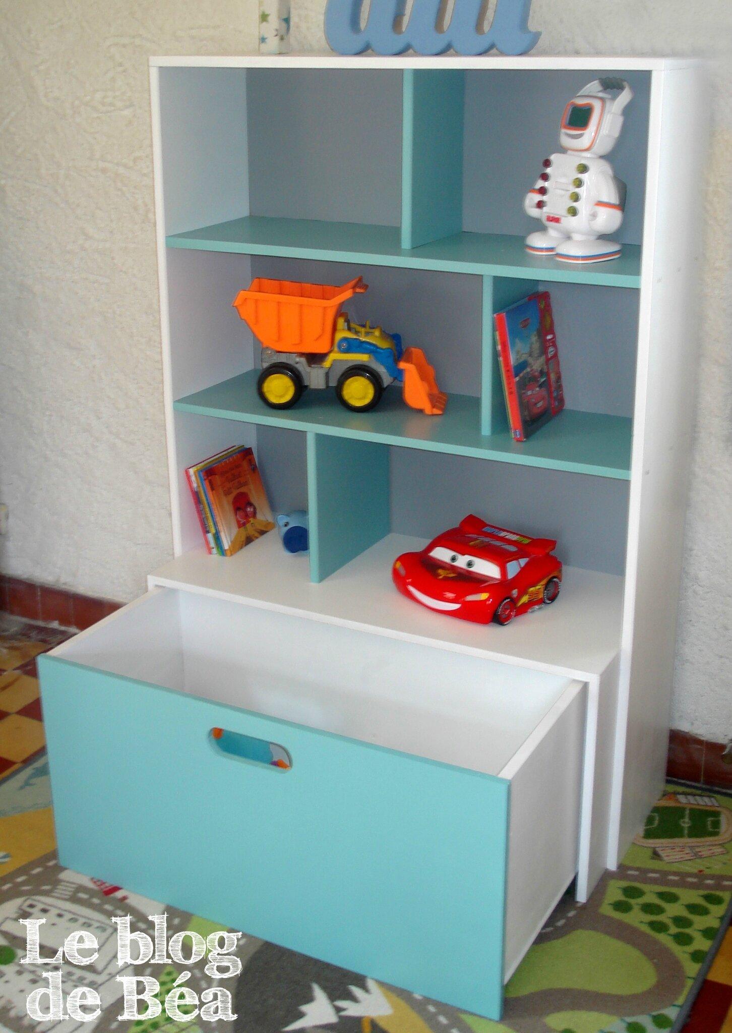 DIY étagère pour chambre d'enfant et coffre à jouets