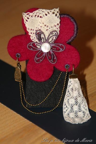 Fleur en laine feutrée