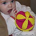 Balle puzzle amish au crochet : le jouet parfait pour bébé ! #montessori_inspiration