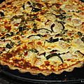 Tarte au poulet et aux courgettes, pâte brisée aux tomates séchées et au parmesan