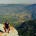 12 km d'ascension <b>à</b> <b>vélo</b> sur l'imposante MONTAGNE DE LURE ,voisine du Mont VENTOUX (LUBERON/PROVENCE)