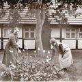 Minna KRAUSE mit Tochter Hedwig ca 1940