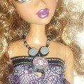 Barbie + collier skull