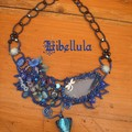 Collier freeform bleu