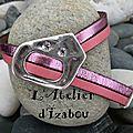 Osez le rose avec cette journée rose, mais autre style pour ce <b>bracelet</b> réglable tout <b>cuir</b> avec fermoir à strass et <b>cuir</b> brillan