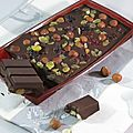 Tablette chocolat, noisettes, raisins, cranberries