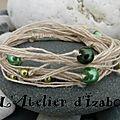Mon côté bio écolo ressort en force aujourd'hui avec ce <b>bracelet</b> en fil de chanvre couleur naturel et ses perles vertes !