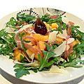 Salade composée au kaki persimon
