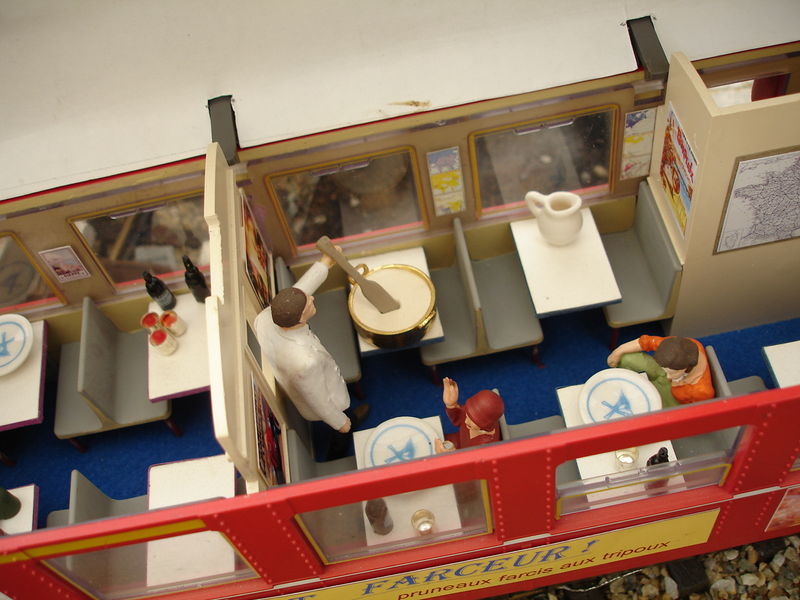 Stand MOMI : Le fameux wagon restaurant L'aligot farceur ! avec le souci du détail