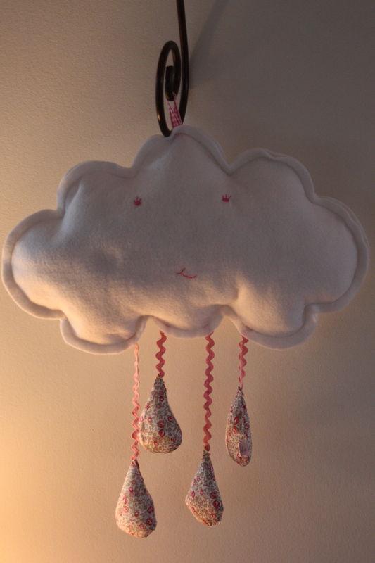 nuage en feutrine blanche, gouttes liberty éloïse