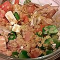 Salade de lentilles corail, tomate, poivron, oignon rouge, feta et câpres.
