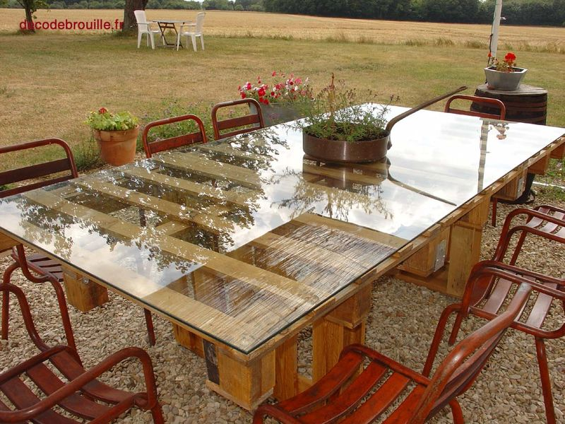 une table de jardin en palettes recyclage et cie. Black Bedroom Furniture Sets. Home Design Ideas