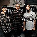 <b>Travis</b> <b>Barker</b> feat Transplants & Slash - Saturday night