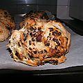 Petits pains au chocolat, au raisins et aux noisettes