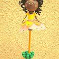 <b>Porte</b> crayon fofuchas princesse des fleurs