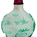 A green overlay glass snuff bottle, 19th century