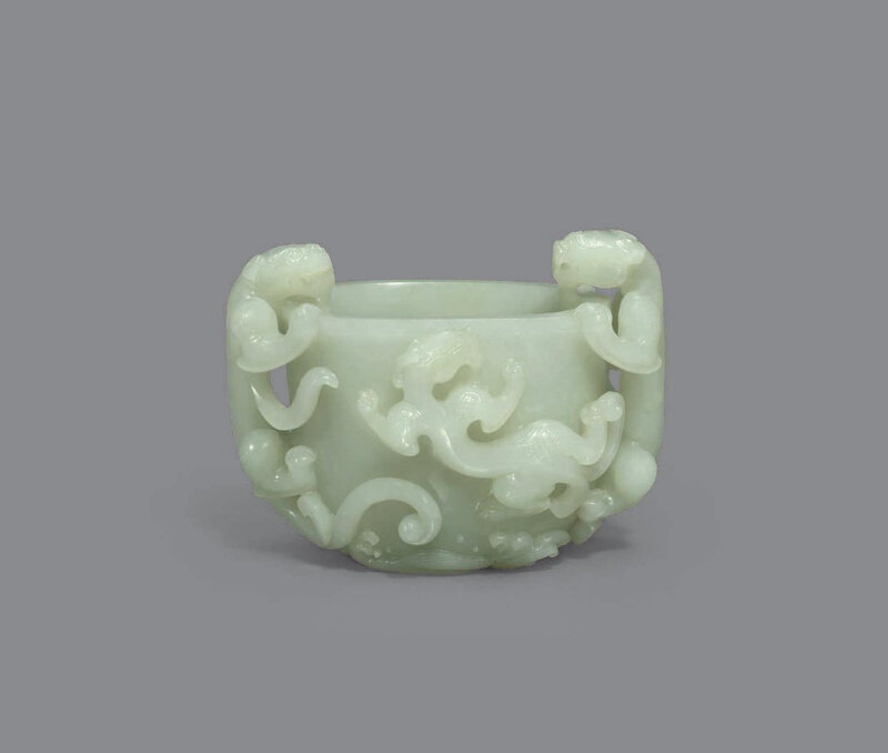 A white jade 'chilong' washer, Qing dynasty (1644-1911)