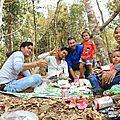 Environs de <b>Banlung</b> : belles amitiés près d'une cascade et dégustation de poussière