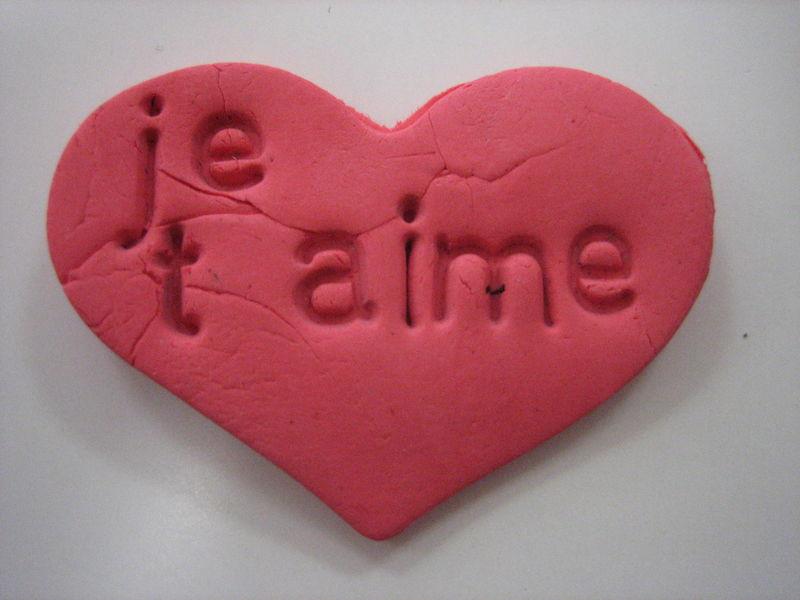 Coeur pâte à modeler autodurcissante + impressions de lettres (atelier d'imprimerie)