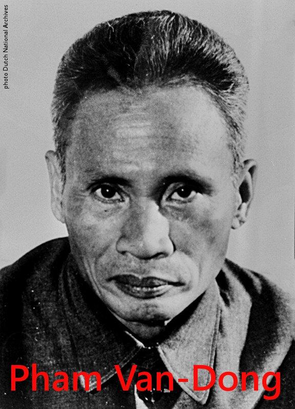 Phạm_Văn_Đồng_1972